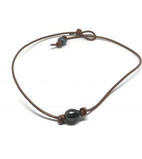 collier avec perle de Tahiti cerclée